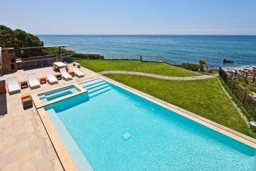 38 Of The Most Spectacular Contemporary Pools Presented on Freshome