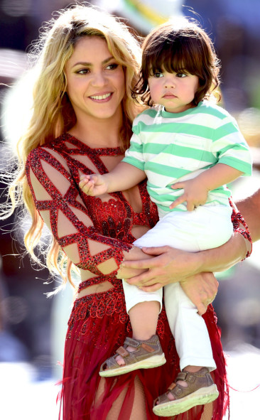 Shakira Performs at 2014 World Cup Final Closing Ceremony, Brings Adorable Son Milan, 1—See the Photos!