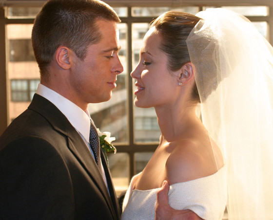 First Photos Of Angelina Jolie And Brad Pitt S Wedding Emerge