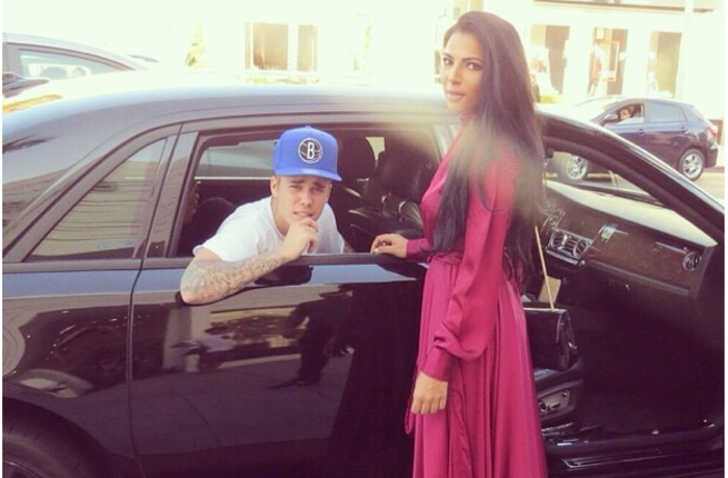 "Justin ""Aladdin"" Bieber chats up Palestinian model with the ""You look like Princess Jasmine!"" pickup line!"