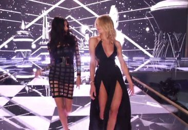 "The Victoria's Secret Angels Cover Taylor Swift's ""Shake It Off,"" and It's Awesome"